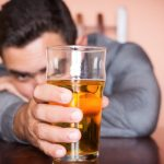 Aprende a consumir alcohol en las fiestas de fin de año