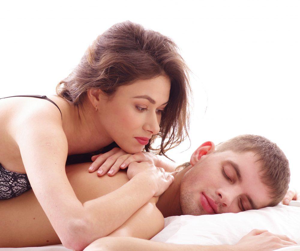 Descubre el poder de dormir en el lado izquierdo