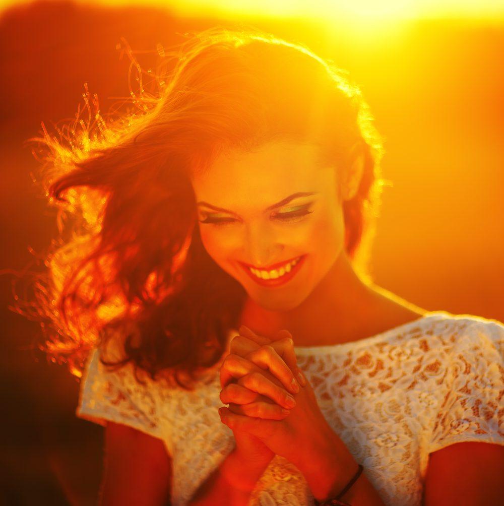 La alegria llega cuando vale más lo que somos que lo que tenemos
