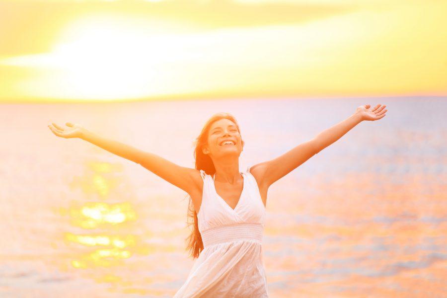 La mejor manera de ser feliz con alguien es aprender a ser feliz solo
