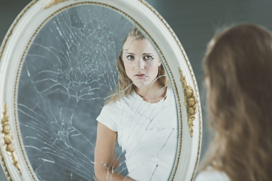 Conoce qué es un engaño mental y cómo afecta nuestra felicidad