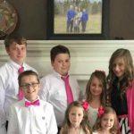 Esta historia te conmoverá: Adoptó a los 6 hijos de su amiga después de morir de cáncer