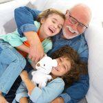 7 razones que demuestran los beneficios que aportan los abuelos a sus nietos
