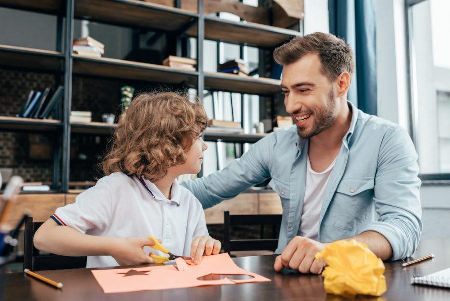 Conoce los beneficios de saber involucrarte en la educación escolar de tus hijos