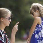 """""""Crianza helicóptero"""": ¿puede afectar el desarrollo de nuestros hijos?"""