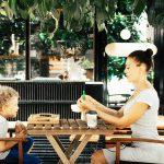 lo-que-enseñas-a-tus-hijos-a-la-hora-de-comer